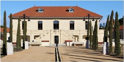 Salle de la Bastide en location sur Eyragues