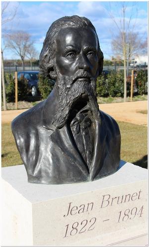 buste de Jean Brunet situé au parc des Poètes à Eyragues, scupté par M. Langloys